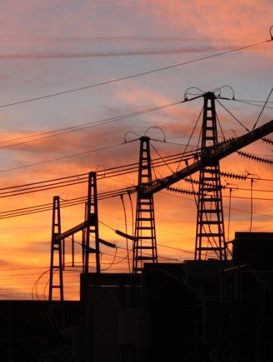 Poste electrique coucher de soleil - credit Julien COLLOT vignette